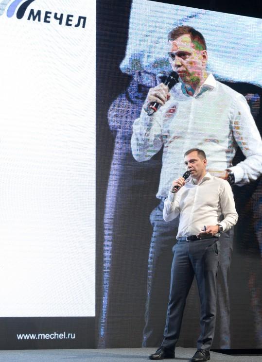 Директор управления ИТ «Мечела» Валерий Дьяченко затронул тему создания ИТ-компании для реализации крупных проектов в своей группе